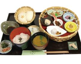 二色のざる豆腐膳 1350円